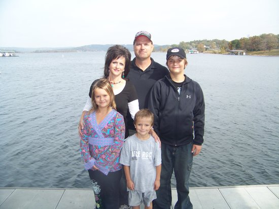 Lakeside Resort Restaurant & General Store: The Kettells family on the new boat dock