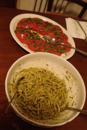 Brigolante Guest Apartments: Homemade pesto, and garden tomatoes