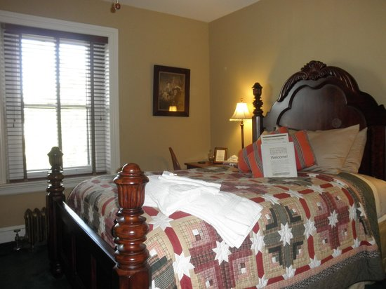 William Lewis House: Our room - very spacious