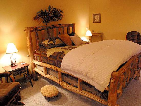 Woodland Trails Bed and Breakfast: Close enough to both the Twin Cities and Duluth for a getaway weekend.