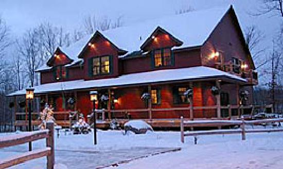 Woodland Trails Bed and Breakfast: Minnesota provides all four beautiful seasons.