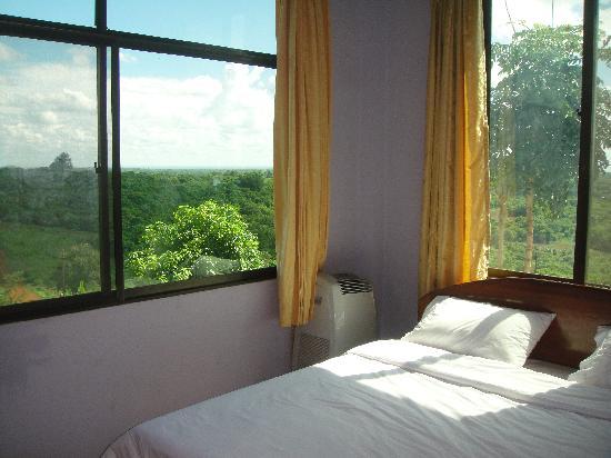 Motel Phnom Yaklom : New, Clean Rooms