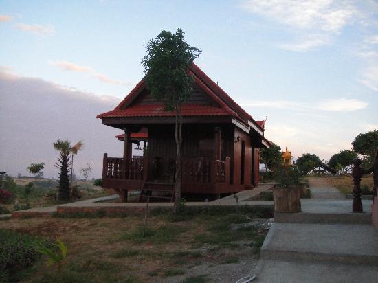 Motel Phnom Yaklom : Our Khmer-style Bungalows