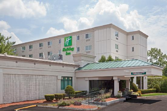 Holiday Inn Salem (I-93 at exit 2): Holiday Inn Salem Exterior