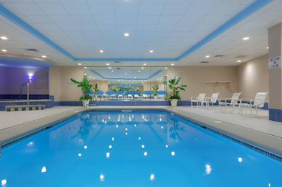 Holiday Inn Salem (I-93 at exit 2): Heated Saltwater Pool at Holiday Inn Salem