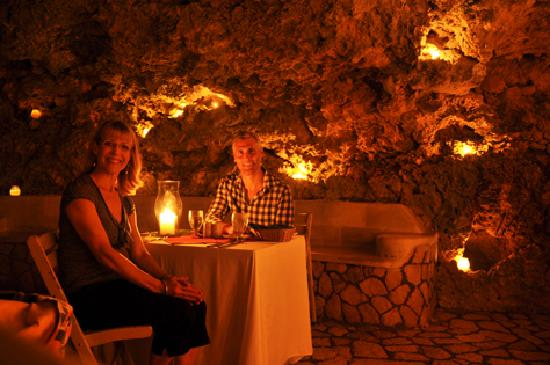 The Caves: Private dinner in cave