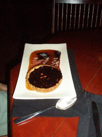 Viet Lac Restaurant, Hoi An: Warm Chocolate Ganache Tartlet w/Roasted Peanuts & Homemade Caramel Sauce($3.75)