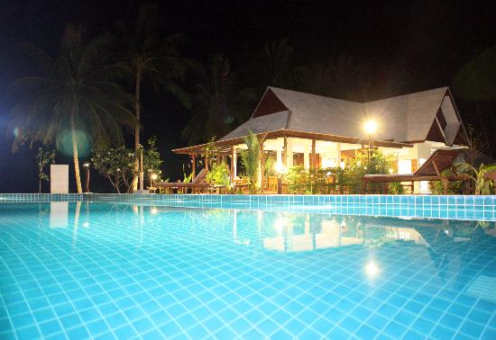 Da Kanda Villa Beach Resort: restaurant on the beach