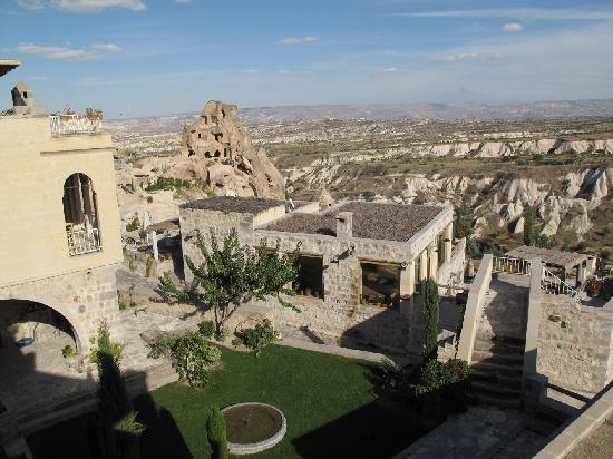 Argos in Cappadocia: Hotel property from the terrasse