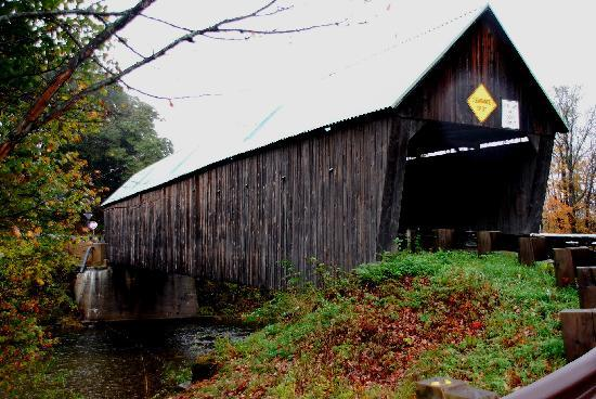 Woodstock, Вермонт: Covered Bridge