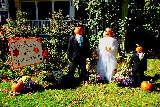 Kennebunkport, ME: Gathering of the scarecrows