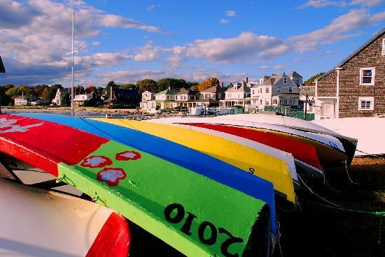 Kennebunkport, Мэн: Boats gathered away for the season.