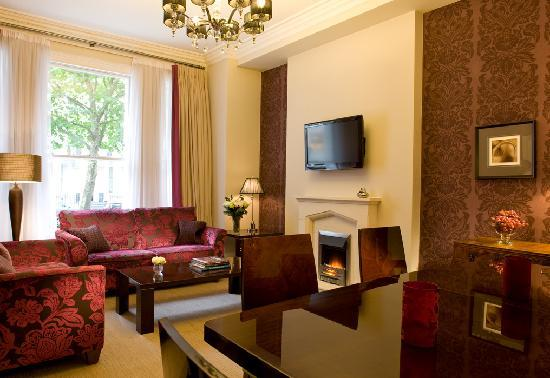 Beaufort House: Our one and two bedroom apartments have a combined sitting and dining room area