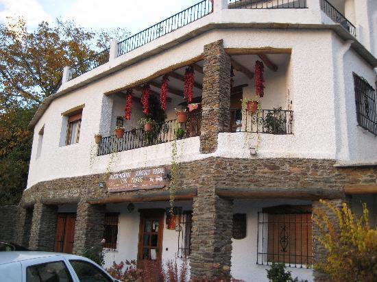 Apartamentos Turisticos Rural Los Tinaos: El restaurante y venta de jamones