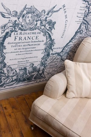 Maison Galles: Bespoke wallpaper in every room