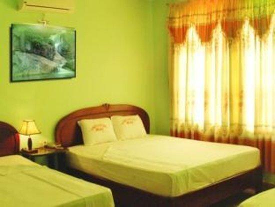 Valentine Hotel: Family room