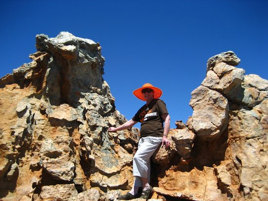 Kagga Kamma Private Game Reserve, Sydafrika: The Beauty Queen between 2 Rocks