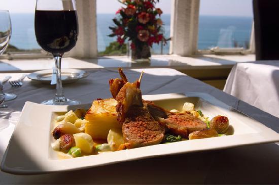 Whitsand Bay Hotel: The Bay Restaurant