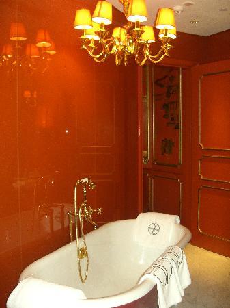 Hullett House: Salle de bain de la Shek O Suite