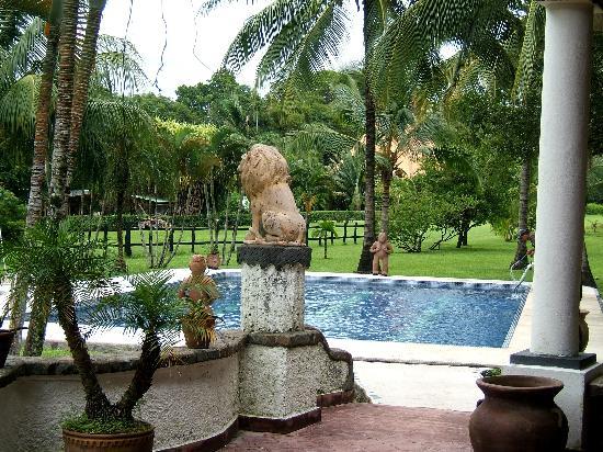 Hotel Paraiso del Cocodrilo: Pool vom Restaurant aus