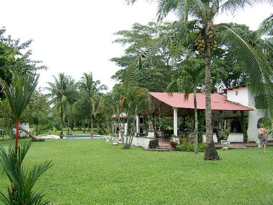 Hotel Paraiso del Cocodrilo: Anlage vom Eingang aus