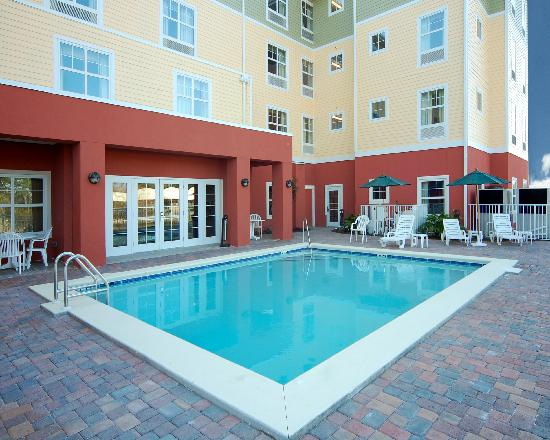 Hawthorn Suites by Wyndham Panama City Beach FL: Pool Deck