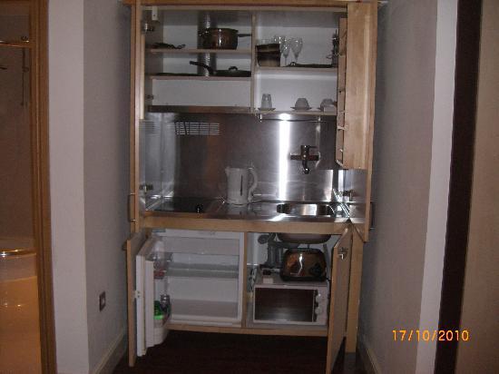 Kitchein Picture Of Hotel 82 London Tripadvisor