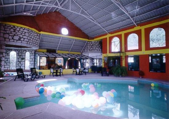 Hotel Mansion Tarahumara: Casa Club con Alberca Climatizada y Jacuzy