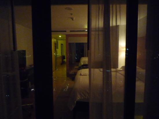 lebua at State Tower: Room at night from balcony