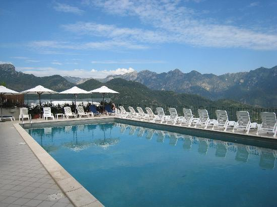 Graal Hotel Ravello: Swimming pool at the Graal - Paradise