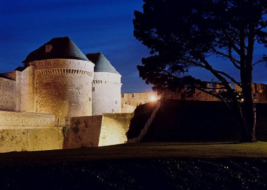 Chateau de Brest, visite de nuit