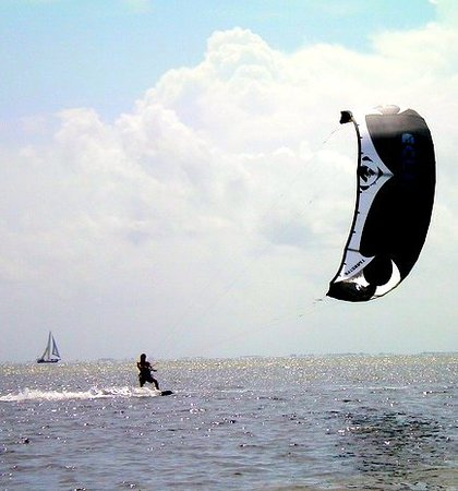 Kiss The Sky Kiteboarding: Kiteboarding
