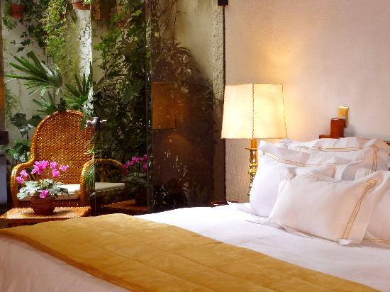 Antara Hotel: Habitaciones elegantes