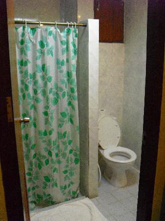 Night Bazaar Inn: Toilette