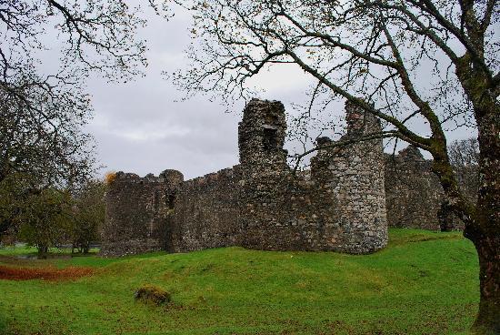 Bay Caledonian Hotel : old inverlochy castle