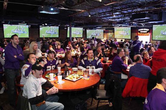 Joe Senser's Sports Grill: The Bigs Screens @ Joe Senser's
