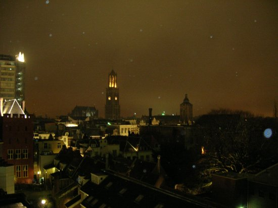 Apollo Hotel Utrecht City Centre : View from a double room on the top floor.
