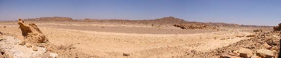 Kanais : Panorama looking towards the road - Hot & Dry!