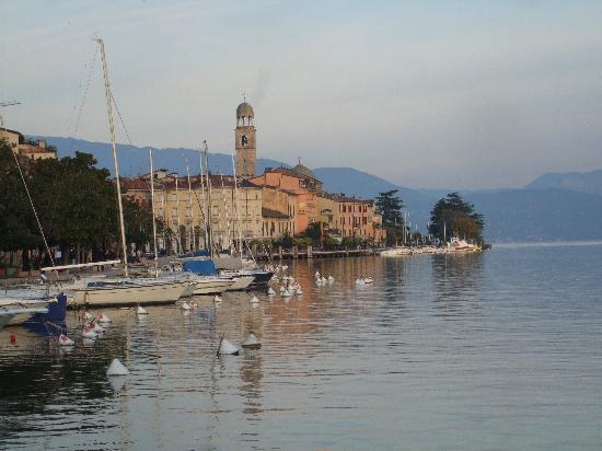 Hotel Vigna: lakefront in Salo