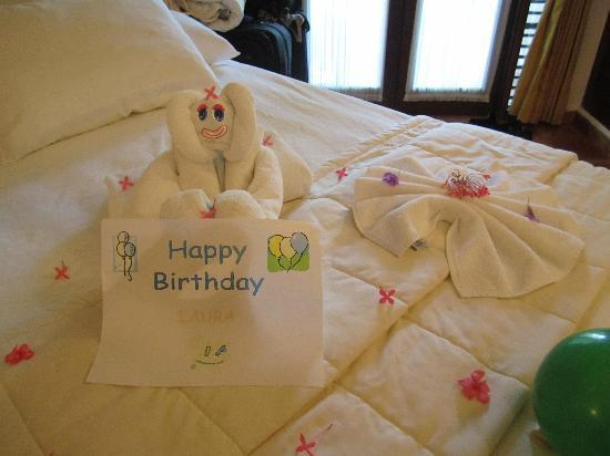Towel sculpture 2 picture of la tortuga hotel spa for Hotel room decor for birthday