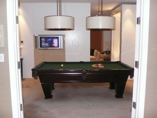 Skylofts at MGM Grand: Pool table