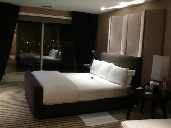 Skylofts at MGM Grand: Besroom #1