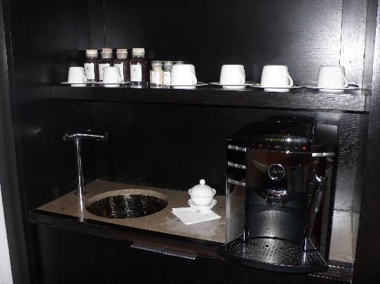 Skylofts at MGM Grand: espresso machine