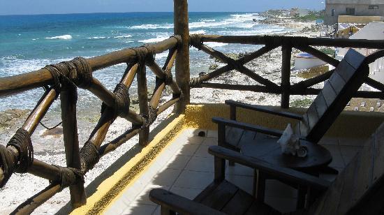 Casa Flamboyan: back balcony...what a view!