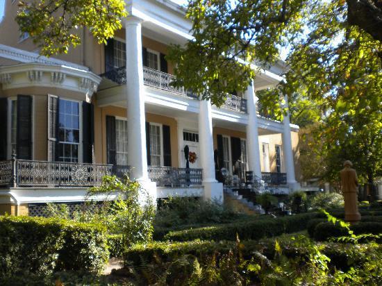 Cedar Grove Mansion Inn & Restaurant: cedar grove