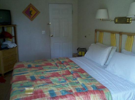 Banana Beach Resort: Our hotel room