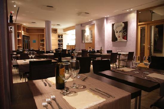 Hotel & Ristorante Nautic: sala ristorante