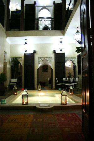 Riad la Croix Berbere: the courtyard