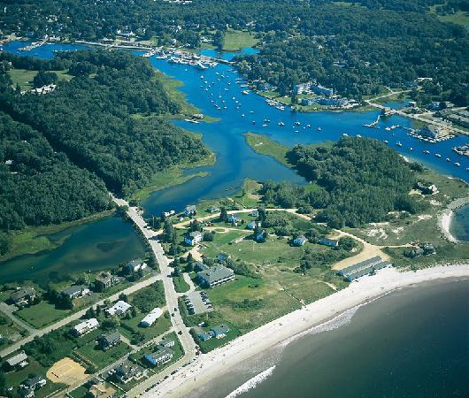 Seaside Inn : The Beach on one side - Kennebunk River on the other