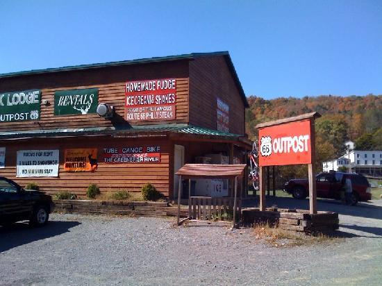 Bear Creek Lodge: OUtside our Lodge: We have a homestyle resturant serving breakfast, lunch dinner & beer.  We als